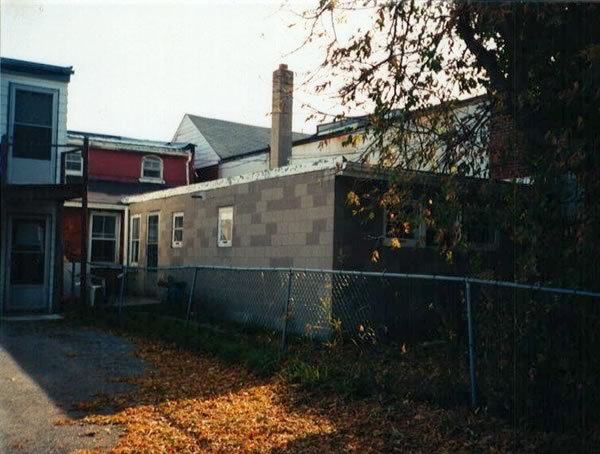 Below is photo of rear building (McNeilly shoe shop) at 83 Broadway taken in 1991 and before reno's.
