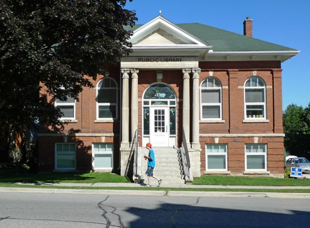 "Shelburne Public Library has just won second prize (behind Halifax but ahead of all other major Canadian cities) in TD Bank's Canada-wide assessment of ""best summer reading programs."""