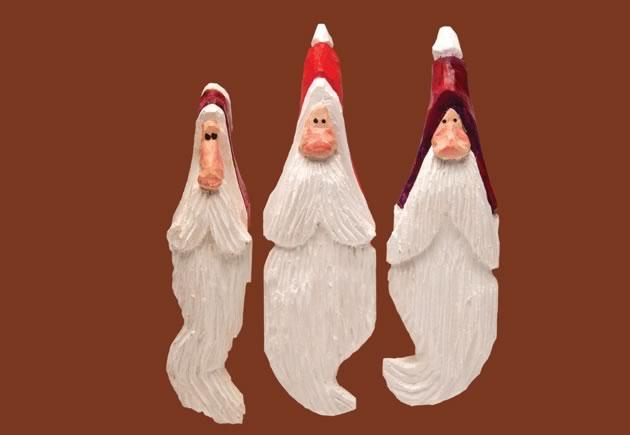 "Shelf Santas, white pine, 5"" to 6"". Photo by Pete Paterson."
