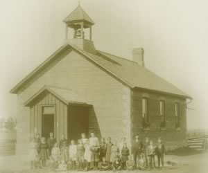 Students outside SS #5, East Luther (Colbeck School) in 1908, the year it was built to replace an earlier wooden schoolhouse. The school served Grades 1 to 8 until 1918 when Grade 9 (Continuation School) was added. Courtesy Dufferin County Museum & Archives , P- 4500.