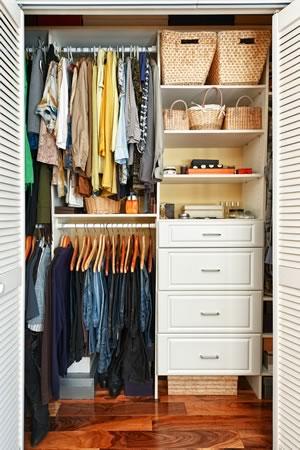 over_dp27799743_closet