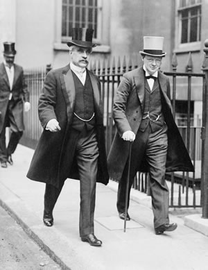 Sir Robert Borden, seen here with Winston Churchill in 1917, was the last Canadian prime minister to regularly wear a top hat. Library & Archives Canada C-002082