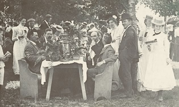 In Alexandra Park, Orangeville celebrated Dominion Day c.1890 with a picnic. Over the years following 1867, Orangeville developed a well-deserved reputation for offering Dominion Day festivities that ranked among the best in the province. Dufferin County Museum & Archives P-0586.