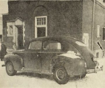 The safecrackers' car abandoned in front of the Imperial Bank in Bolton.
