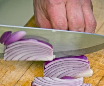Slice all onions thinly. There should be about 2 cups of each kind of onion. Photo by Pete Paterson.