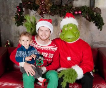 Gabian and Bentley Randeraad with the Grinch. Photo by Femke Photography.