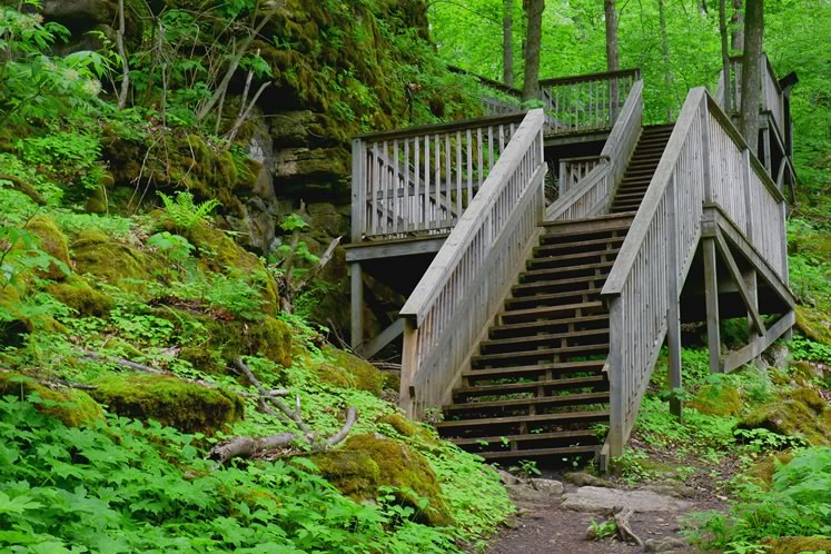 Stairs at Mono Cliffs lookout, May 30. Photo by Don Scallen.