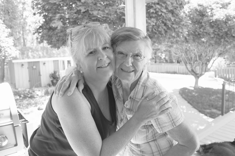 Michele Keeler and her mother, Frieda Hofer, who spent her final days at Bethell Hospice. The experience of spending time with her mother at the hospice changed the direction of Michele's life. Courtesy Michele Keeler.