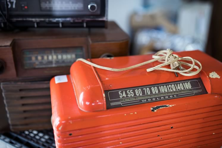 Woolaroc radio at Erin Auctions. Photo by James MacDonald.