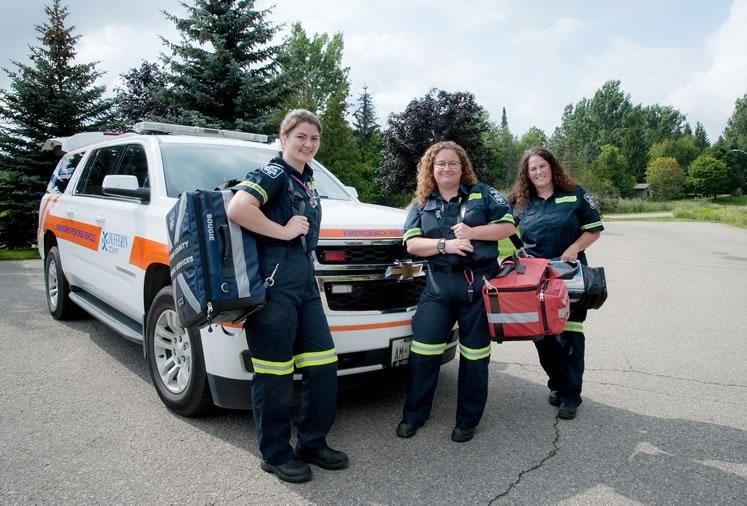 Dufferin community paramedics Josselyn Hudasek, Krystle Neumann and Cara Burleigh. Photo by Rosemary Hasner / Black Dog Creative Arts.